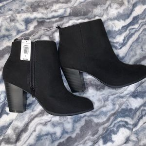 Brand New Gap Suede Ankle Booties